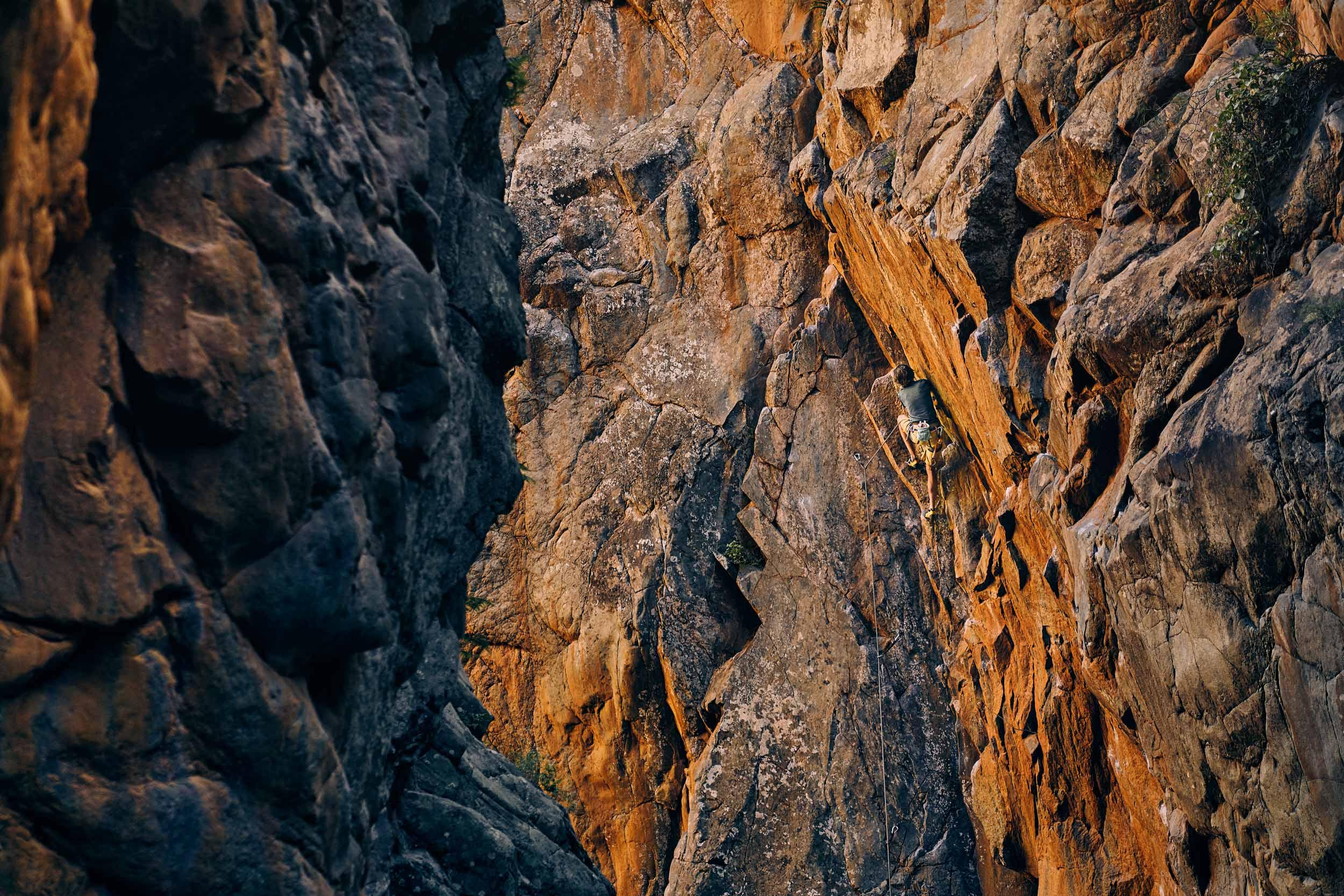 121918_maguire_eb_tenerife_climbing_3297